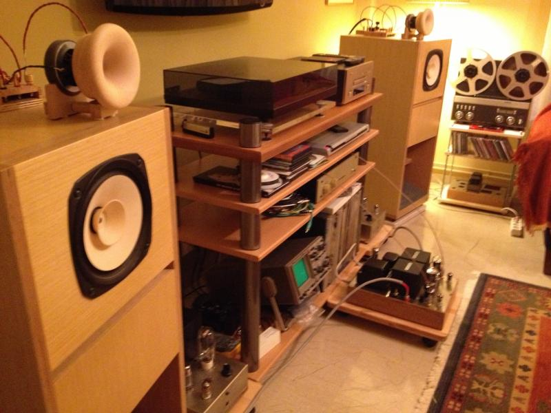 horn type speakers