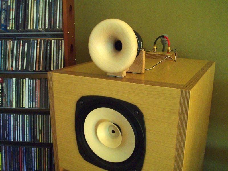 horn-loudspeakers-cabinets